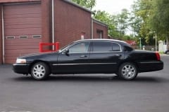 2011_Lincoln_Towncar_01