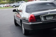 2011_Lincoln_Towncar_03