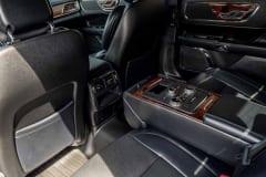 Lincoln-Continental-8-2